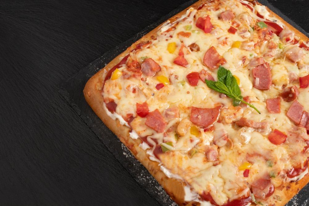 Πίτσα ταψί με τυρί τ. Φιλαδέφλεια